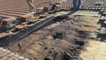 picture of roof rotting