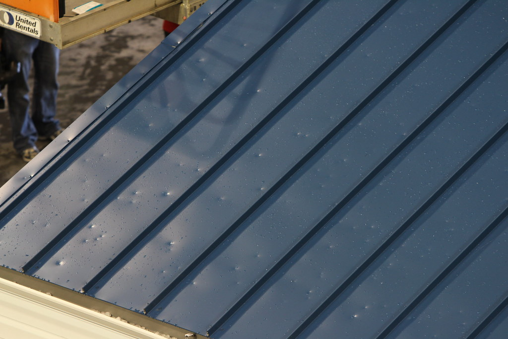 How much does it cost to replace a roof in the UK ...